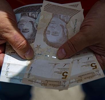 Venezuela paradan altı sıfırı attı