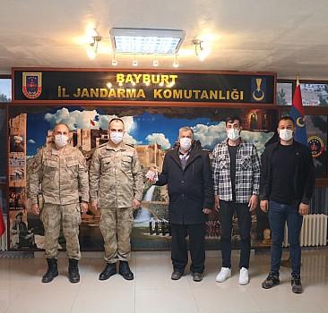 Bayburt'ta dolandırıcılık yapan 3 şüpheli tutuklandı