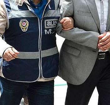 FETÖ hükümlüsü 2 eski öğretmen yakalandı