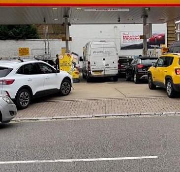 Suriye değil İngiltere! Benzin krizi başladı