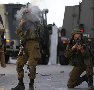 Katil İsrail bir Filistinliyi daha öldürdü