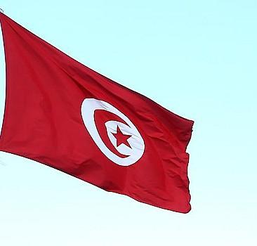 Tunus Başbakanı Meşişi: Görevi devredeceğim
