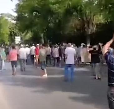 Tunus emniyet güçlerinden Meclis önünde toplananlara müdahale