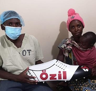 Özil'den Afrika'daki çocuklara sağlık desteği