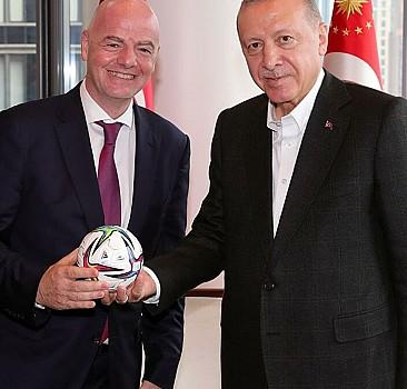 Erdoğan, FIFA Başkanı ile görüştü