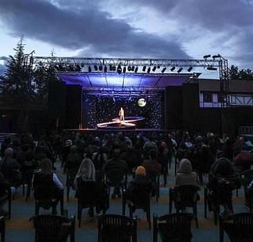 Devlet Tiyatroları, açık havada perdelerini açtı