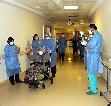 113 yaşında koronavirüsü yendi