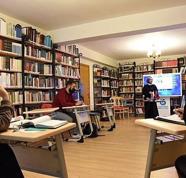 Tiran Yunus Emre Enstitüsü'nde yüz yüze Türkçe dersleri yeniden başladı