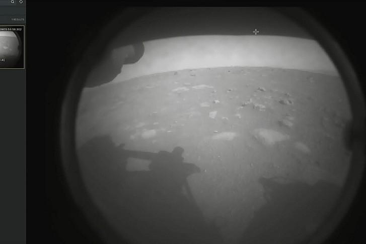 'Perseverance' Mars yüzeyine başarılı şekilde indi
