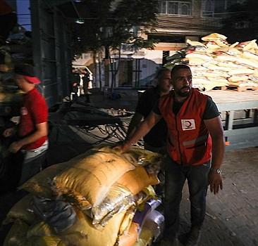 Türk Kızılay'dan Gazze'ye 10 tırlık yardım