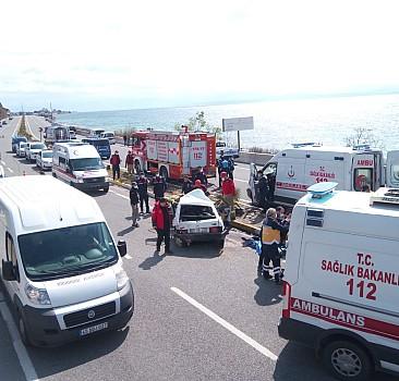 Balıkesir'de zincirleme trafik kazası: 1 ölü 4 yaralı