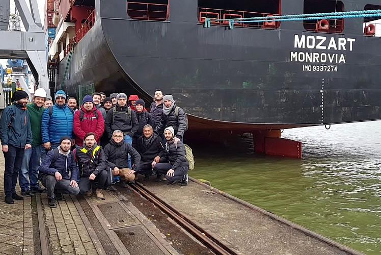 Kaçırılan Türk gemisi ile ilgili peş peşe açıklamalar