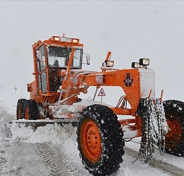 58 köy yolu ulaşıma kapandı