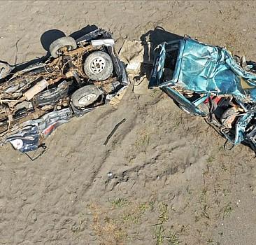 Vatandaşlar selde hurdaya dönen araçlarını 'şasi' numarasından arıyor