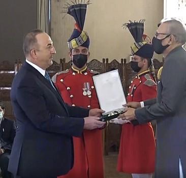 Pakistan'da Çavuşoğlu'na devlet nişanı verildi