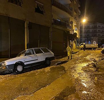 İzmir'de her yağışta aynı manzara