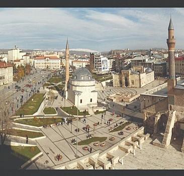 Bir şehri sevmek; o şehri yaşamaktır
