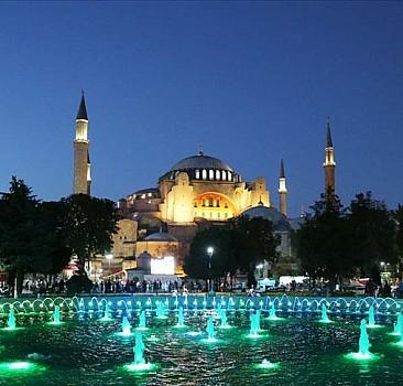 Ayasofya Camii''ne ziyaretçi akını devam ediyor